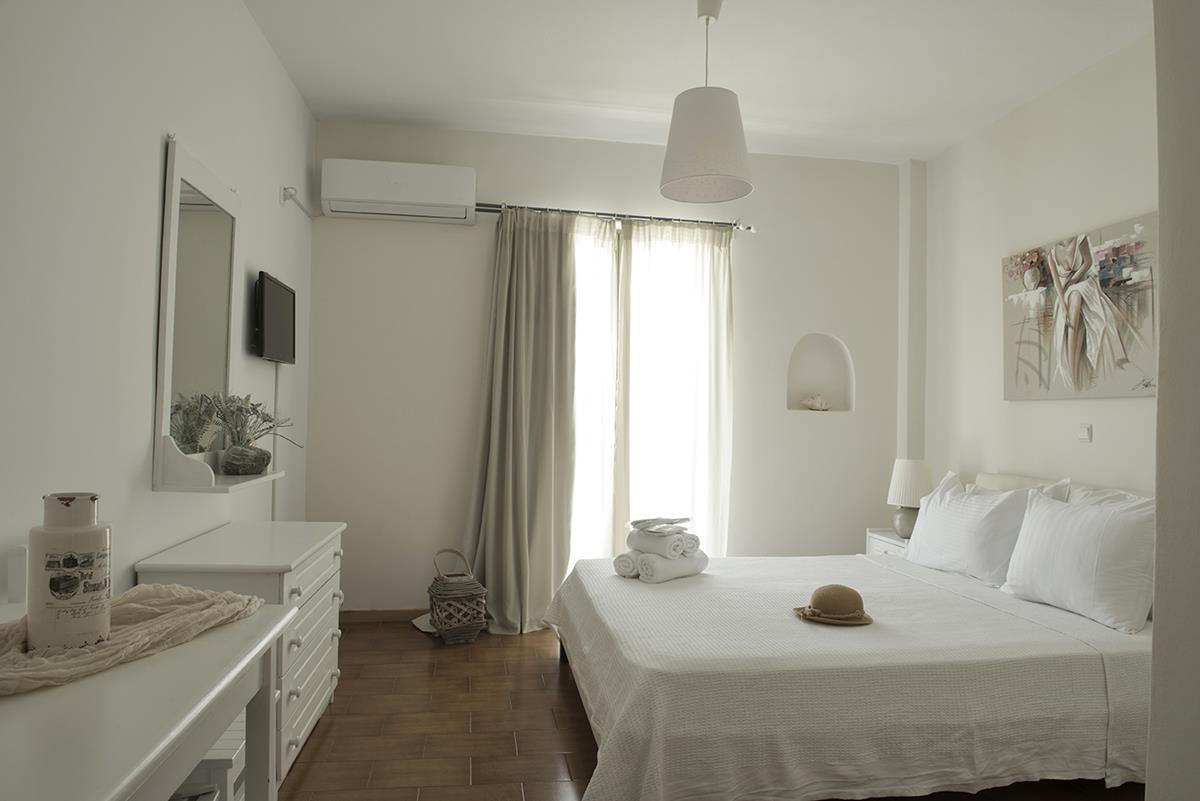 accommodation Batsi Andros - Villa Fiamegou